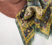 Cotton and Cashmere Blend Aztec Scarf in Leaf