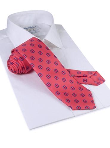 Silk Clover Motif Tie in Strawberry