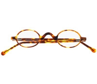 Small Oval Reader in Tortoise