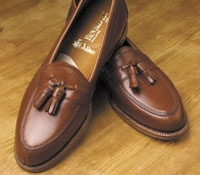 Exclusive Split Toe Tassel Loafer