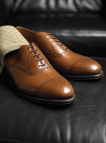 The Alden Medallion Tip Bal in Tan