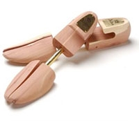 Alden Cedar Shoe Trees