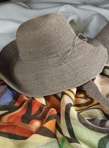 Raffia Crocheted Hat in Silver Grey