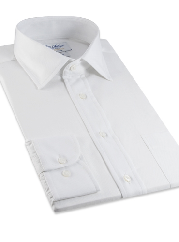 Classic White Twill Spread Collar in Trim Fit