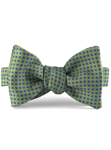 Silk Print Bow with a Square Motif in Grass