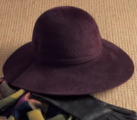 Ladies Felt Wide Brimmed Hat in Plum