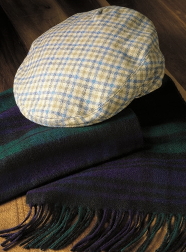 Cashmere Garforth District Check Cap in Beige with Olive and Blue