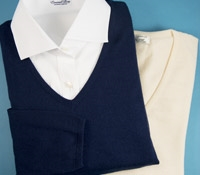 Ladies Silk and Cashmere V-neck Sweater in Marine