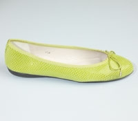 Snakeskin flat in Lime