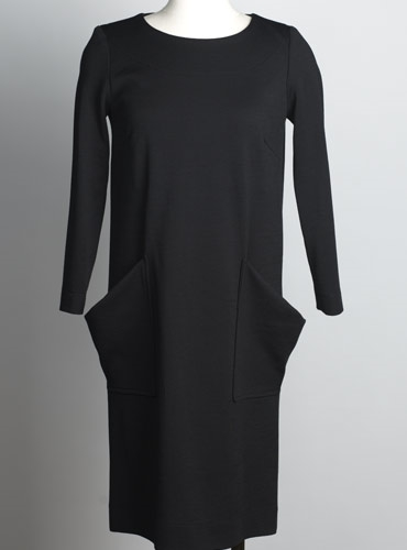Ladies Shift Dress in Black