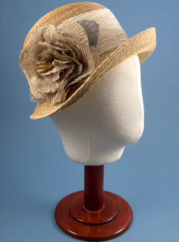 Ladies Straw Cloche Hat with Cream Band and Flower
