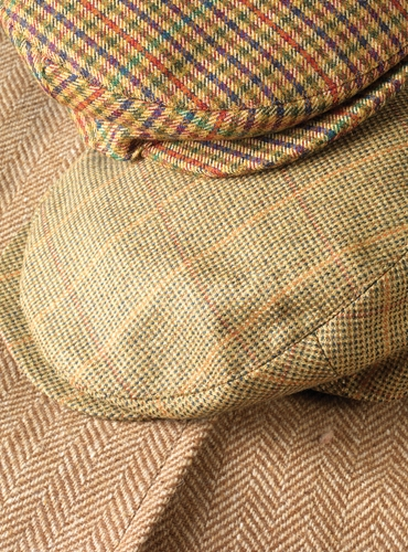 Wool Helmsley Cap in Olive and Tan Gamekeeper Tweed