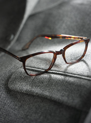 Slim Rectangular Frame in Dark Tortoise