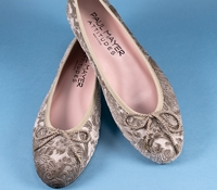 Ladies Velvet Flat in Champagne
