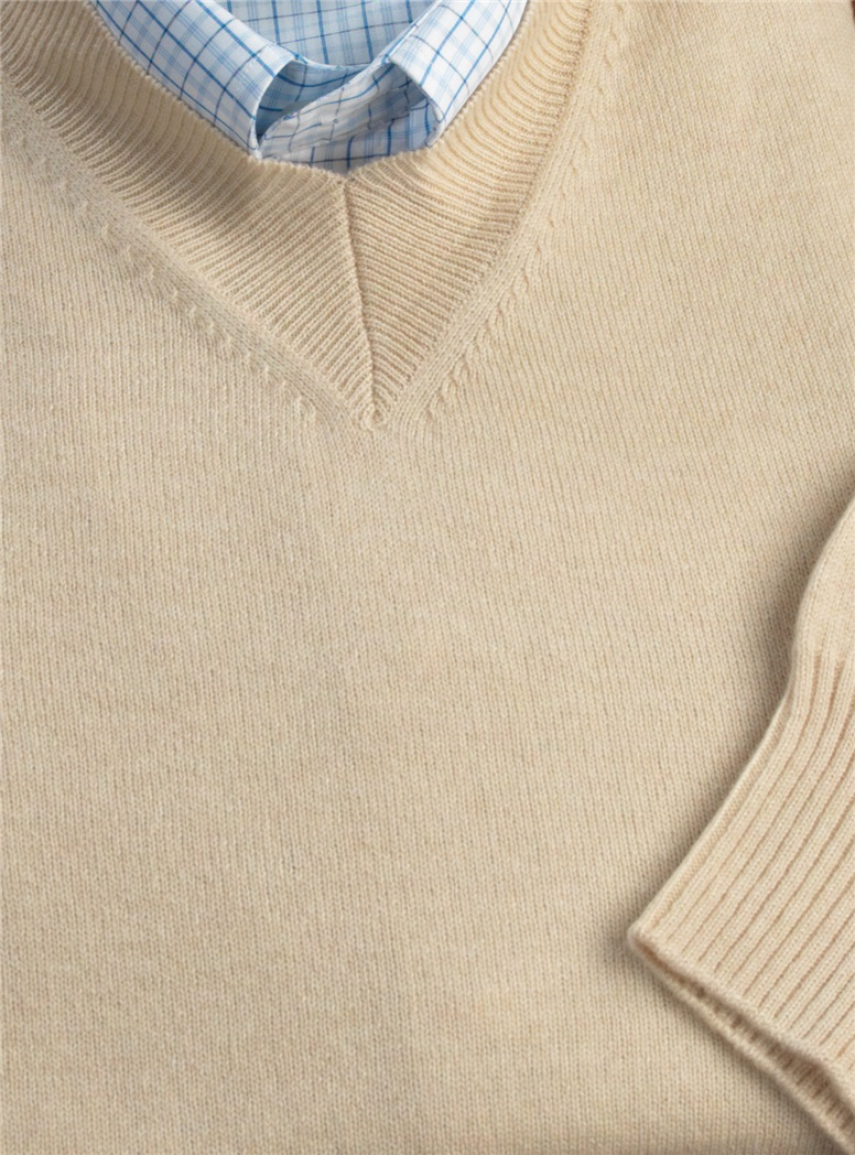 Cashmere V-neck Sweater in Sand