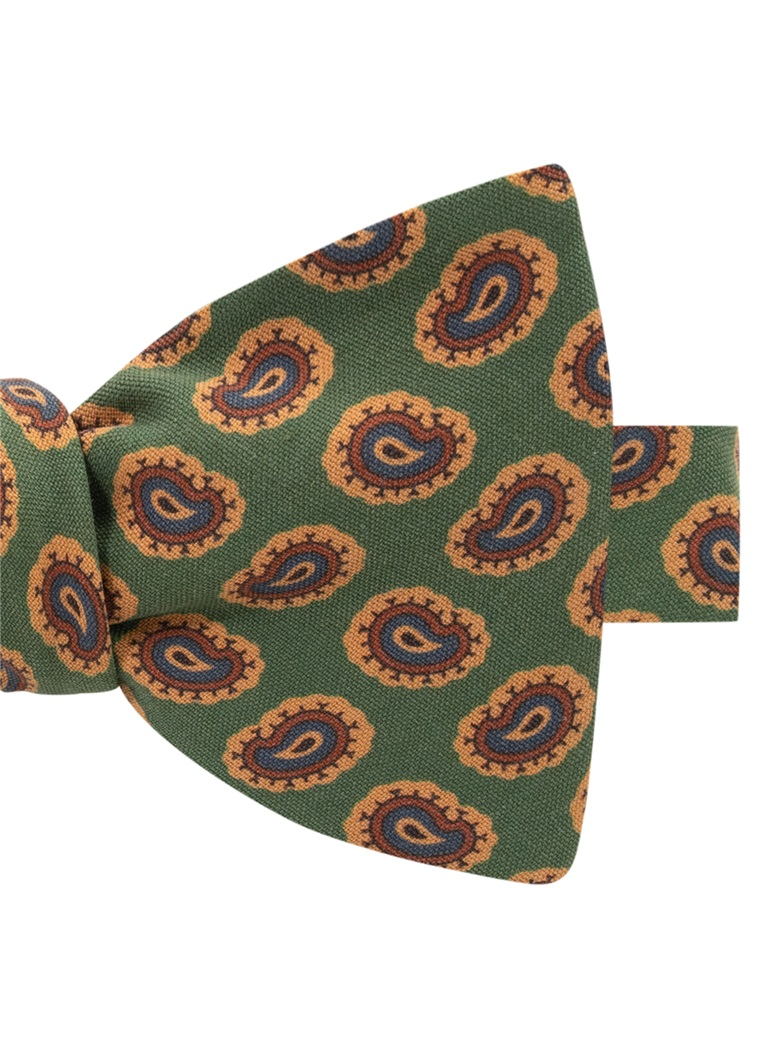 Silk Paisley Printed Bow Tie in Fern