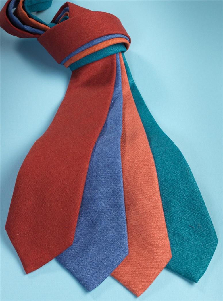Silk and Cashmere Solid Tie in Chilli