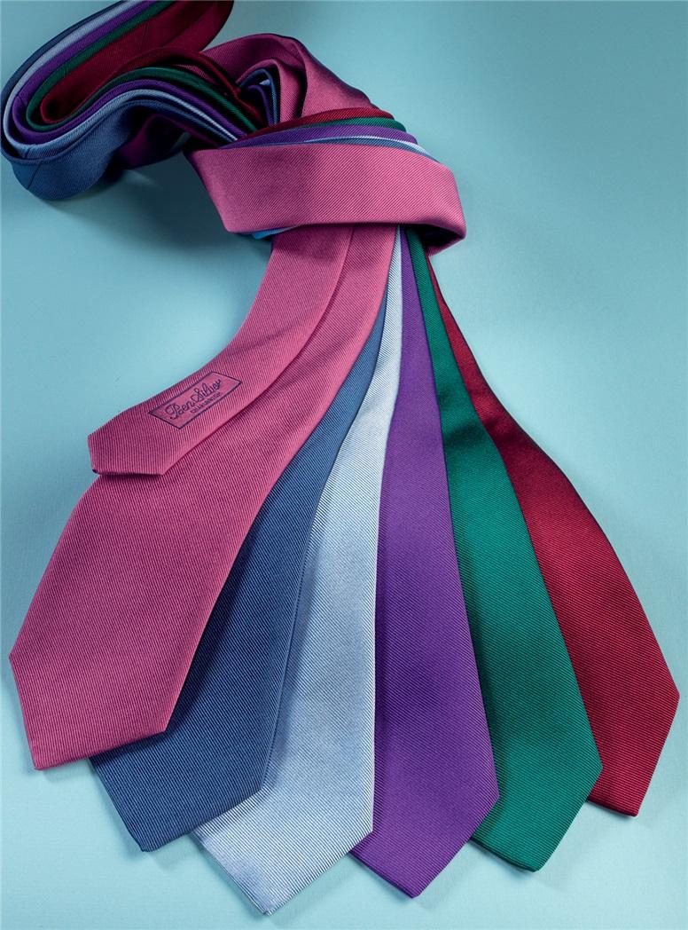 Silk Signature Solid Tie in Ruby