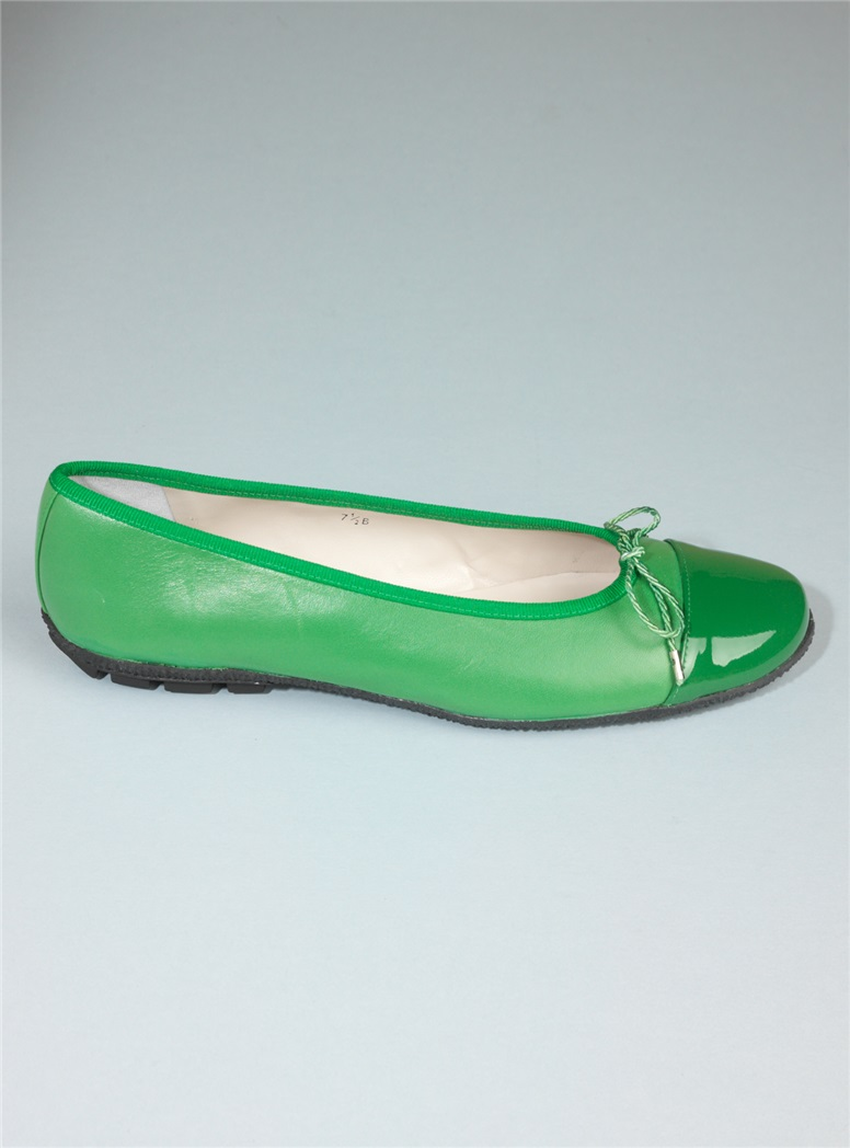 Patent Tip Flats in Green