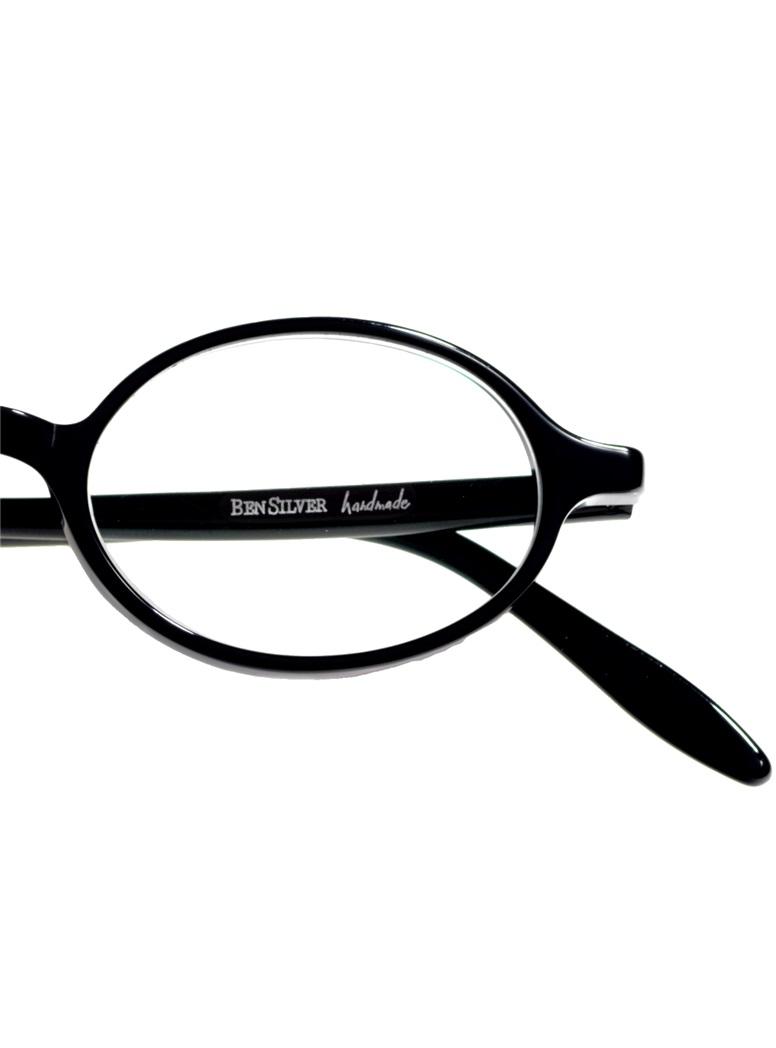 Oval Frame in Black