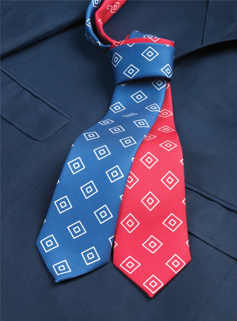 Silk Diamond Printed Tie in Fuchsia