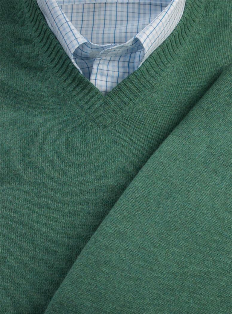 Cashmere V-neck Sweater in Hunter