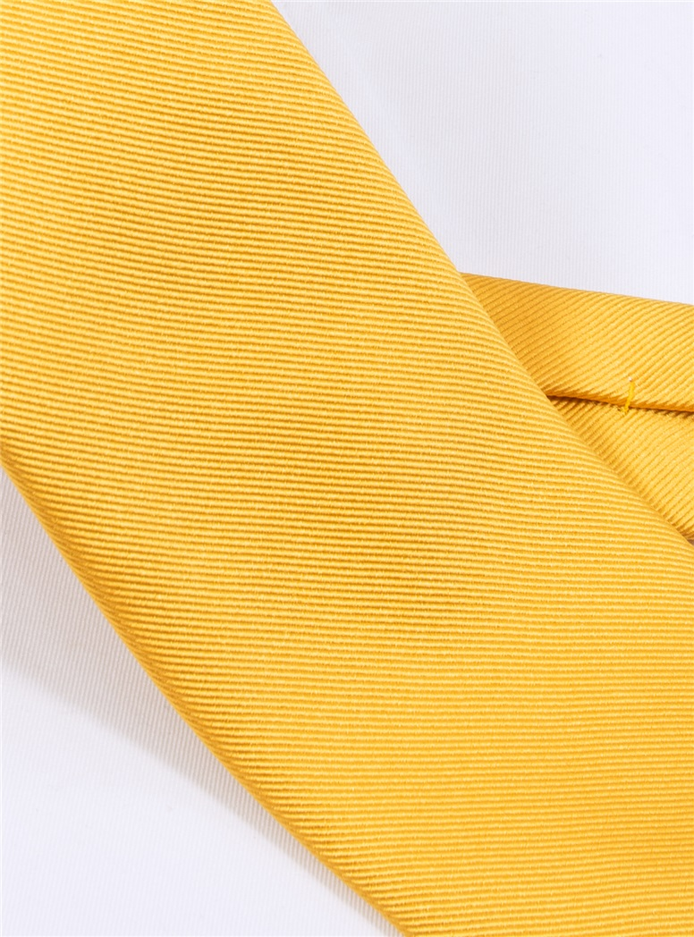 Silk Signature Solid Tie in Sun