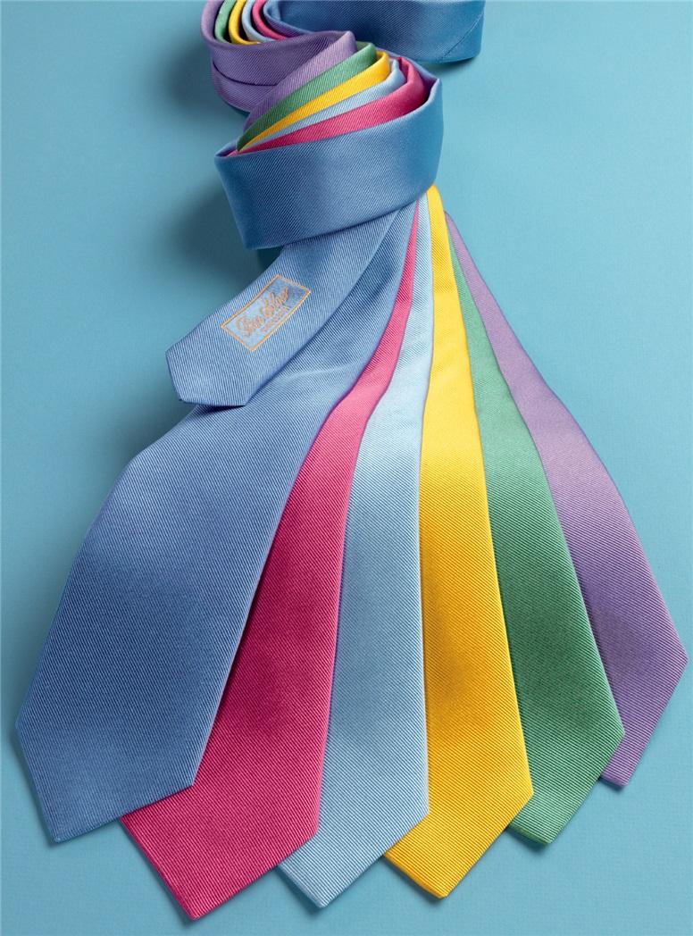 Silk Solid Signature Tie in Cornflower
