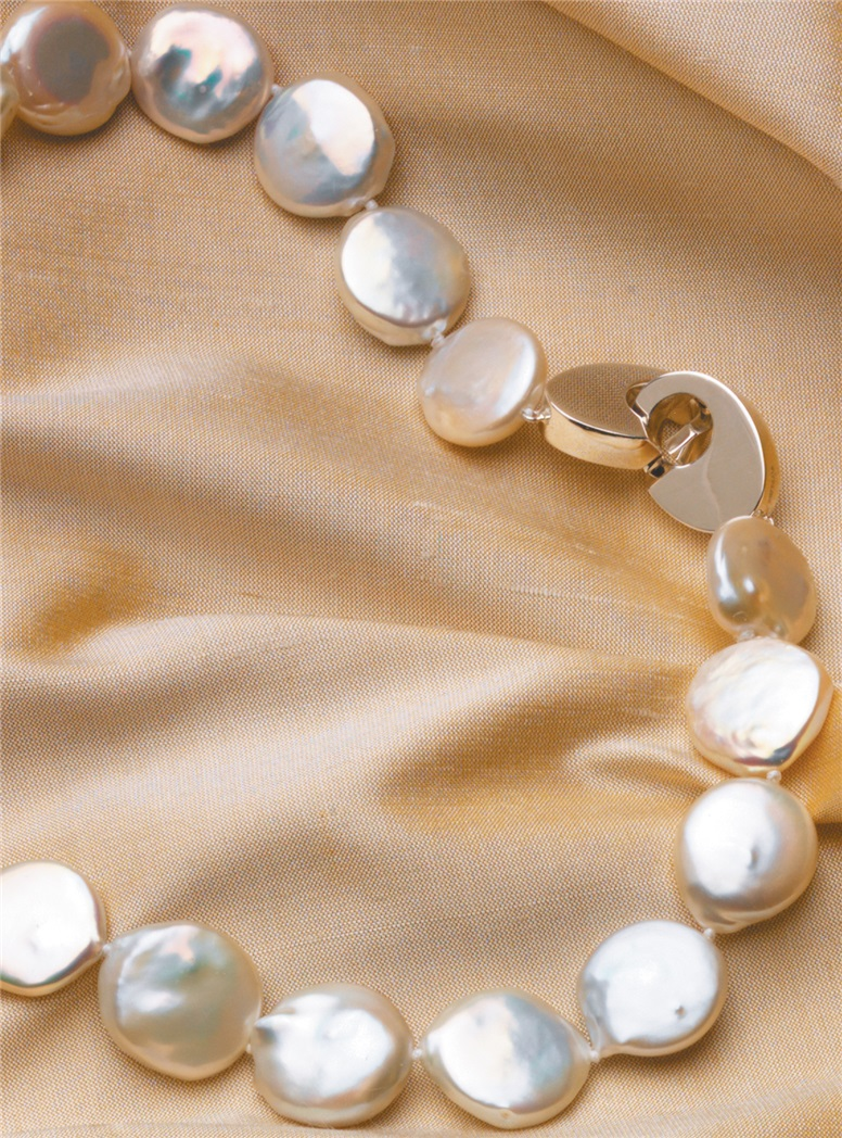 Mother of Pearl Disk Necklace