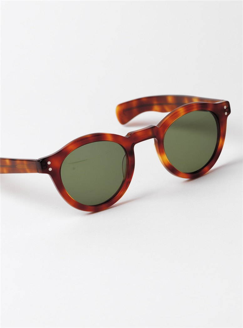 Bold Round Sunglasses in Amber