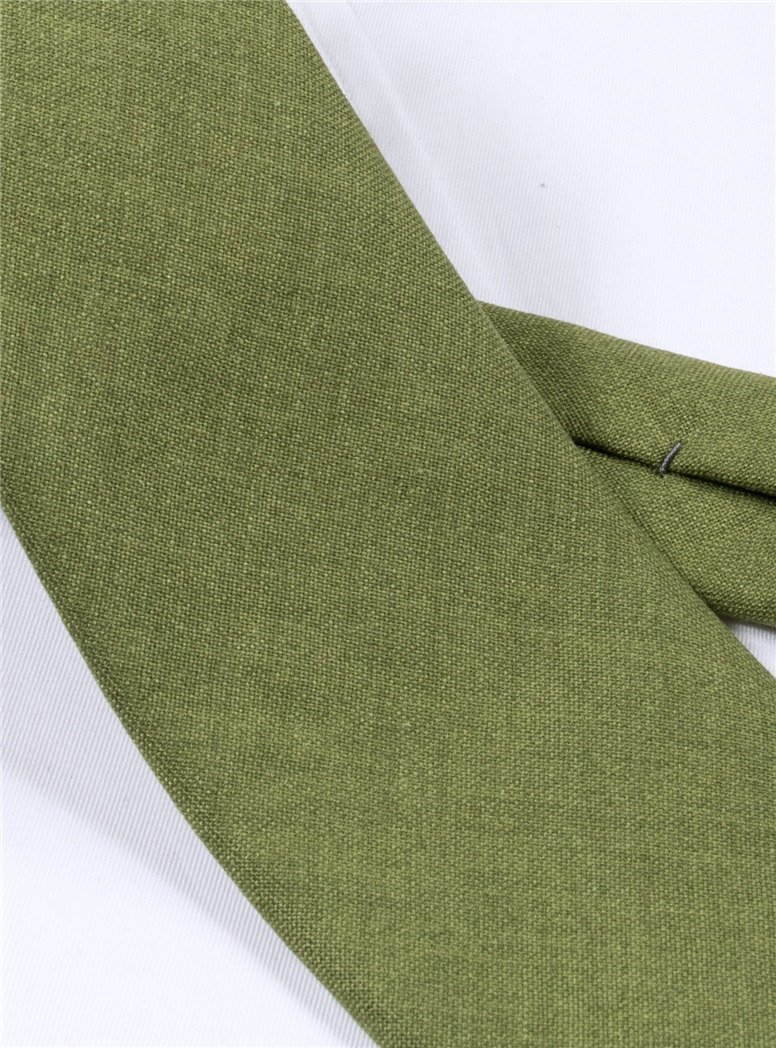 Silk and Cashmere Solid Tie in Fern