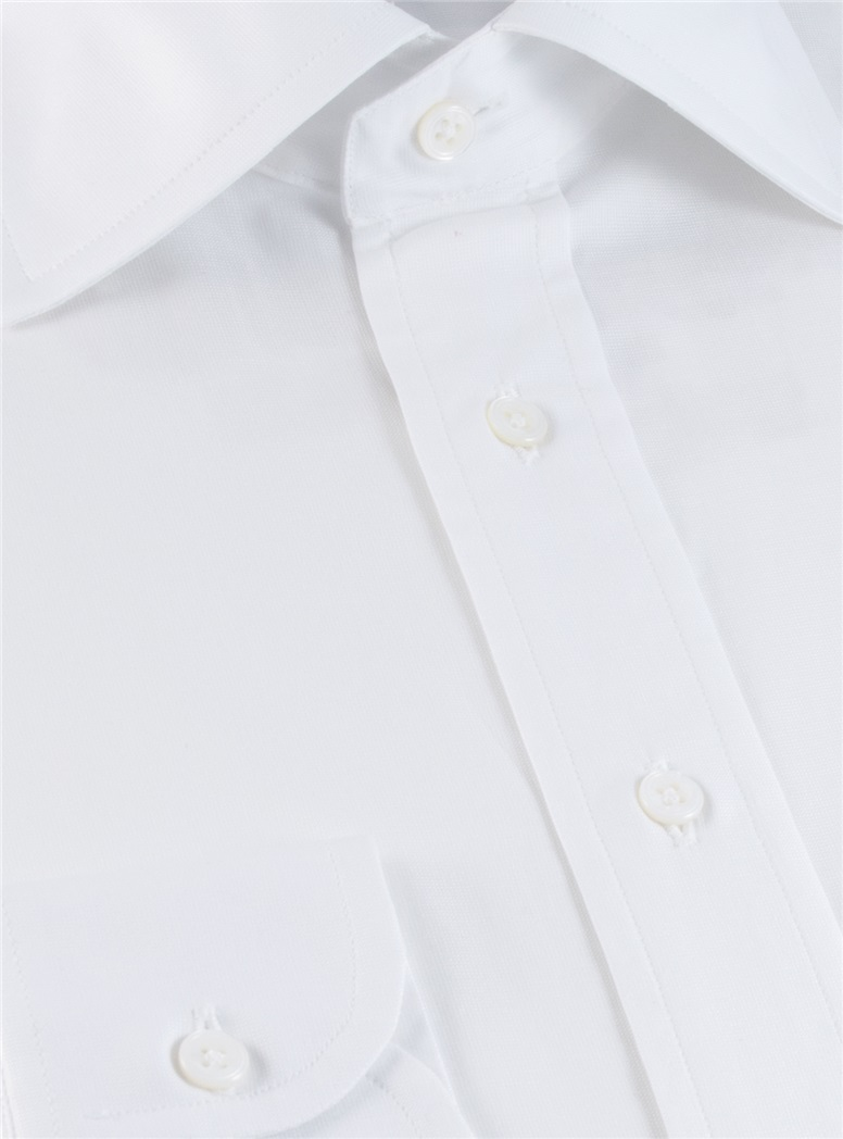 White End on End Spread Collar