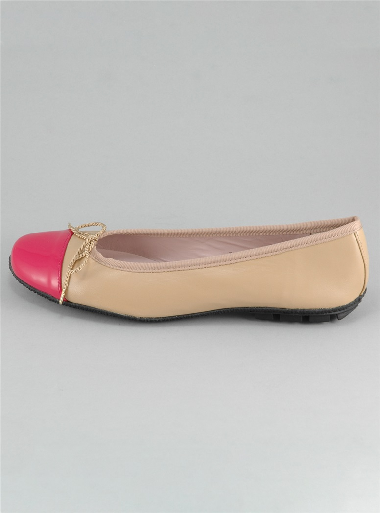 Contrast Toe Beige and Fuchsia Flats