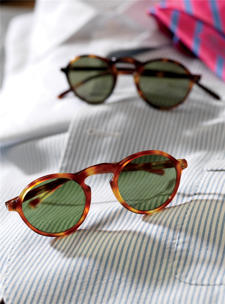 Small Round Sunglasses in Amber