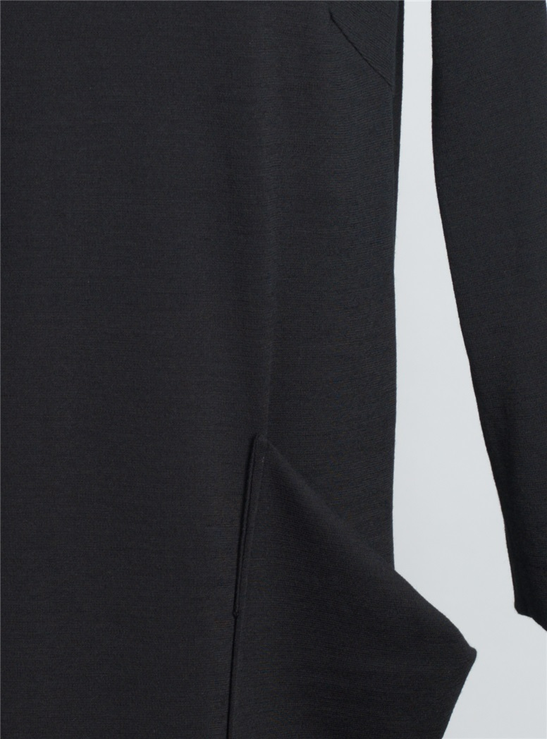 Ladies Shift Dress in Black