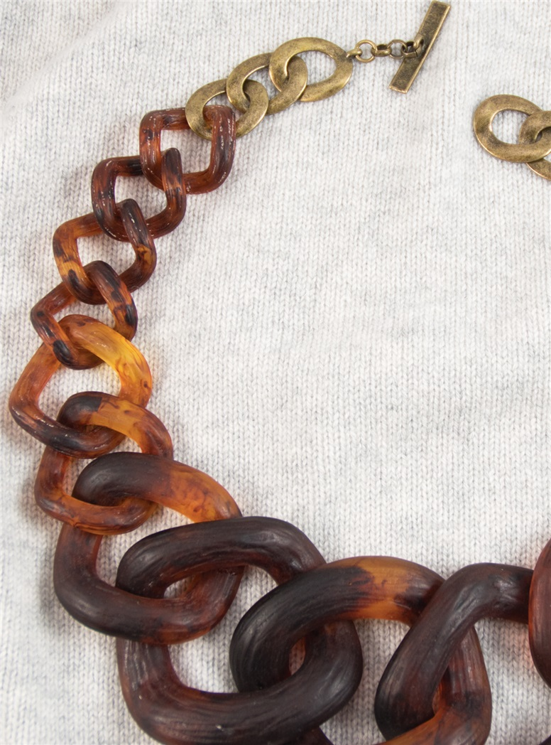 Graduated Link Necklace in Tortoise