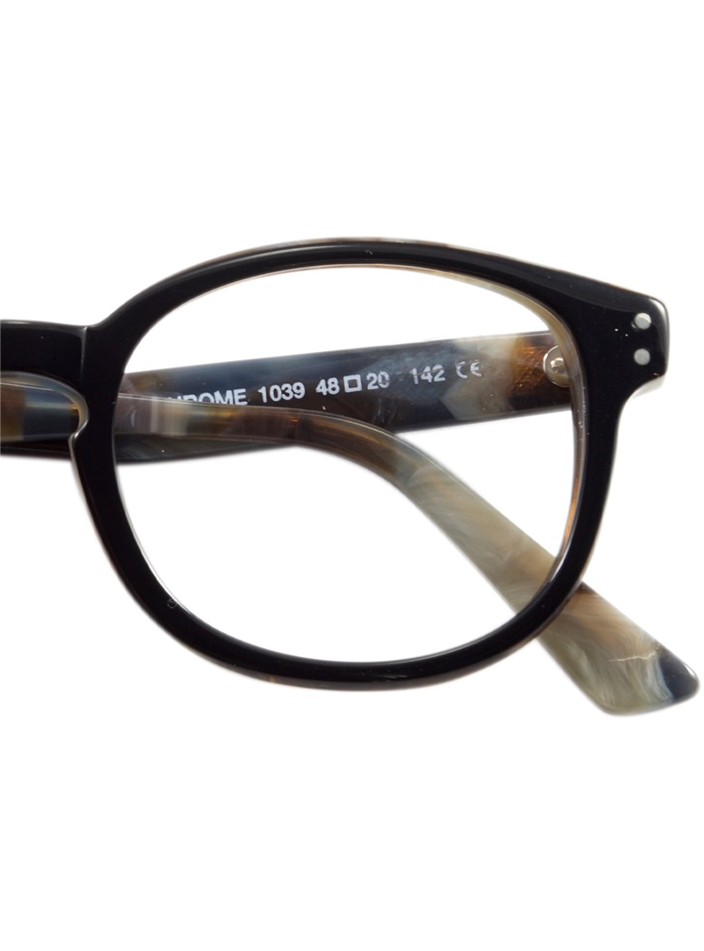 Bold Semi-Square Frame in Black