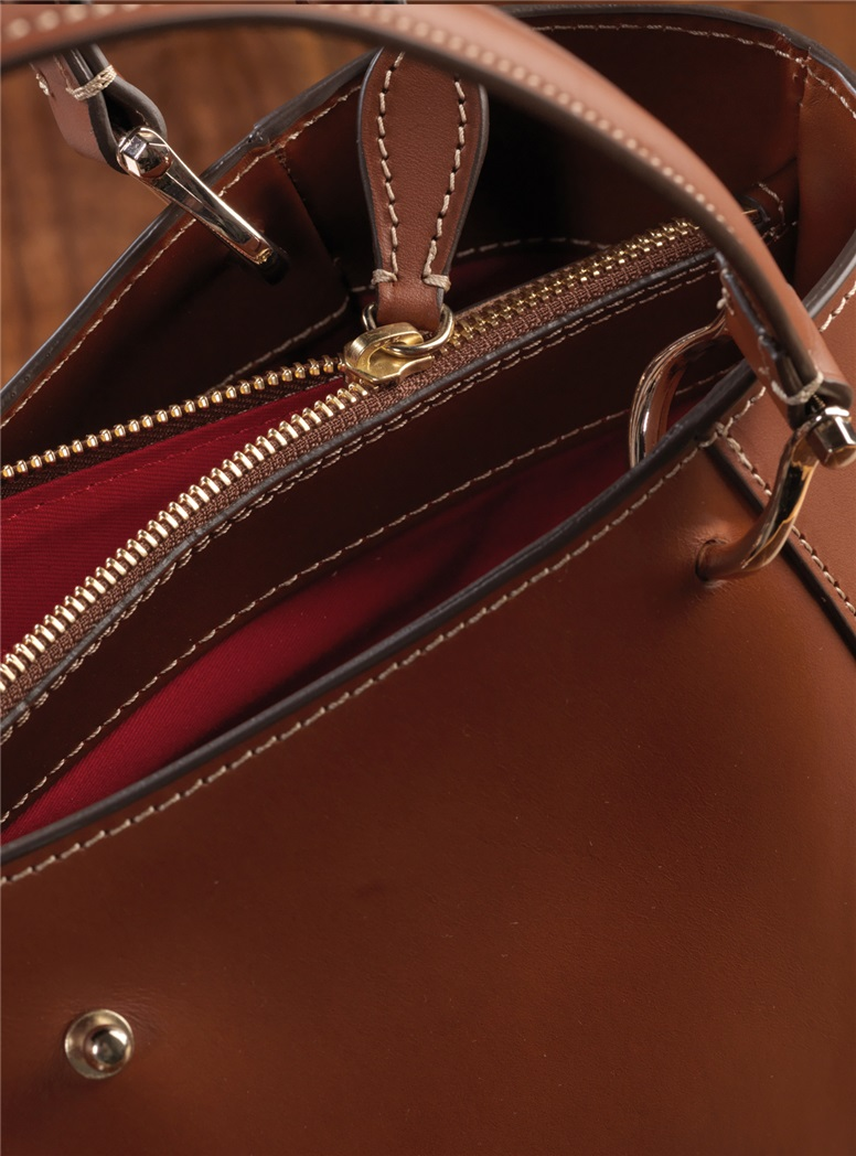 Leather Shoulder Bag in Sienna