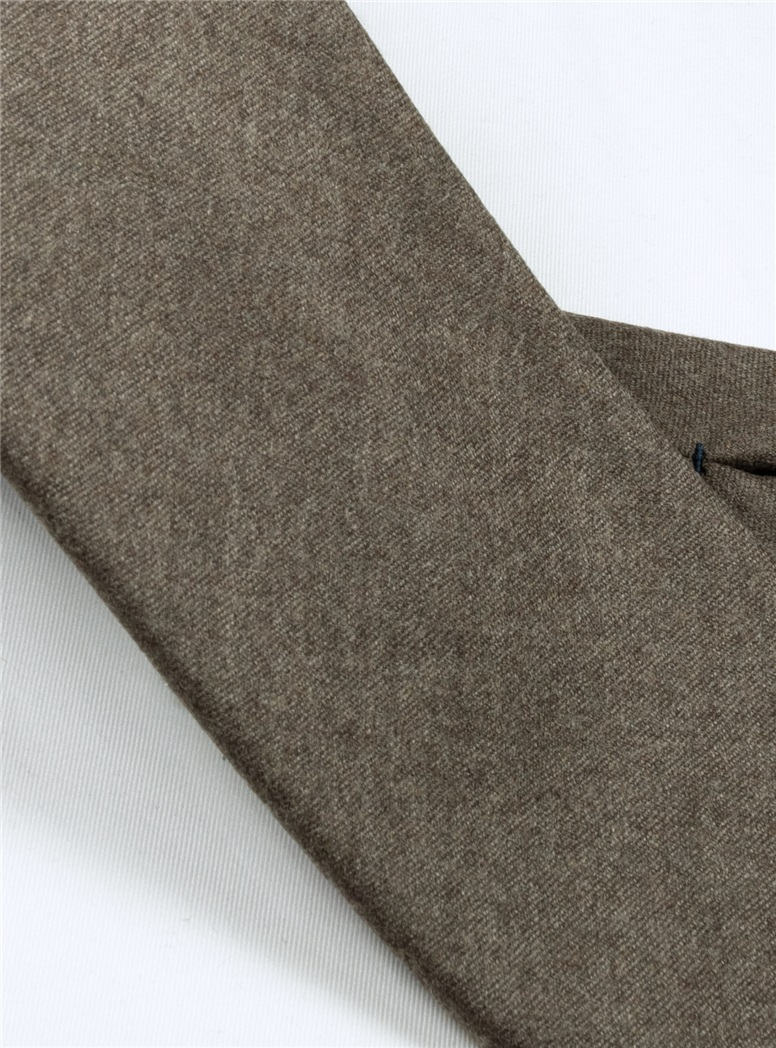 Wool Solid Tie in Mocha