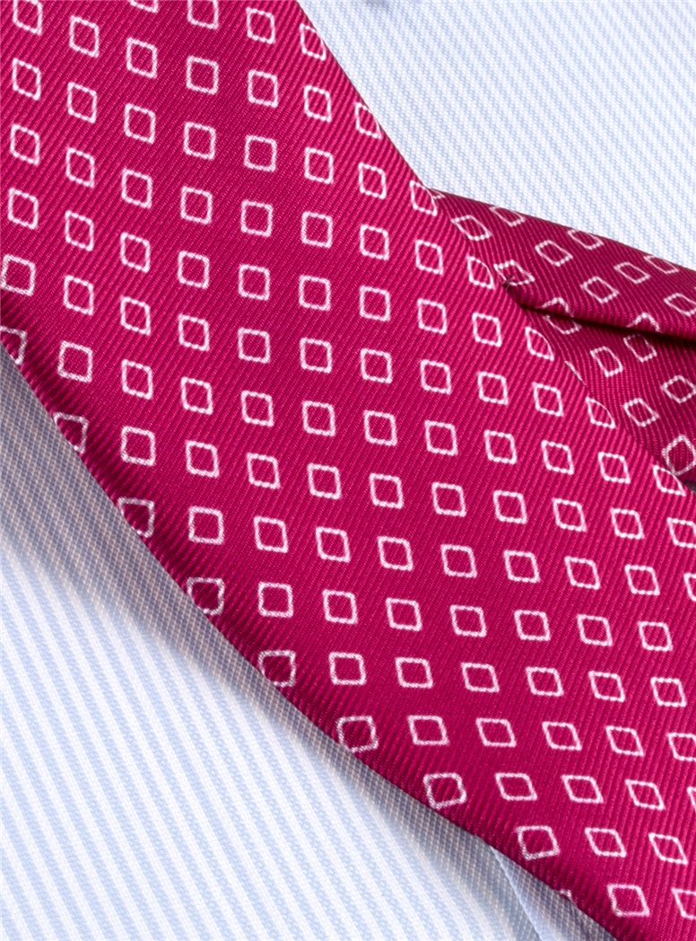 Silk Diamond Motif Tie in Magenta