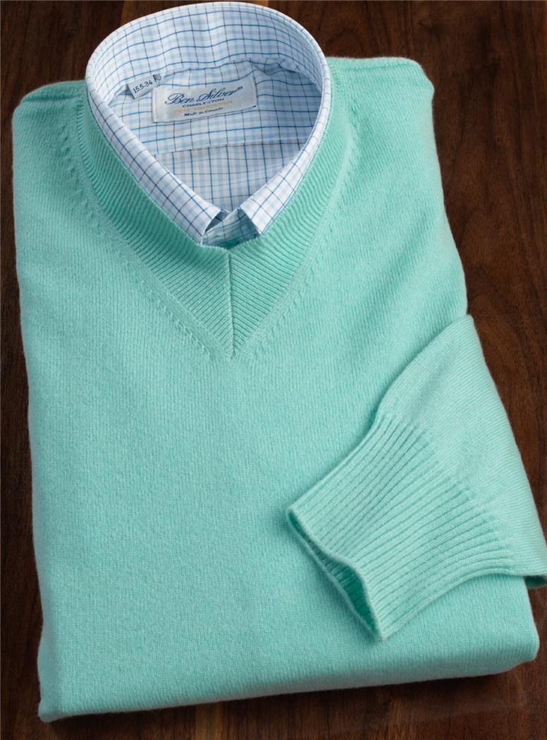 Cashmere V-neck Sweater in Aqua