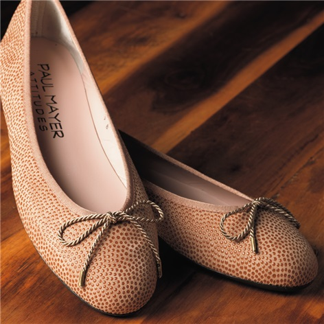 Ladies Pebbled Leather Flats in Camel