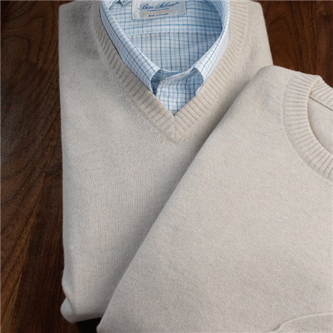 Cashmere V-neck Sweater in Linen