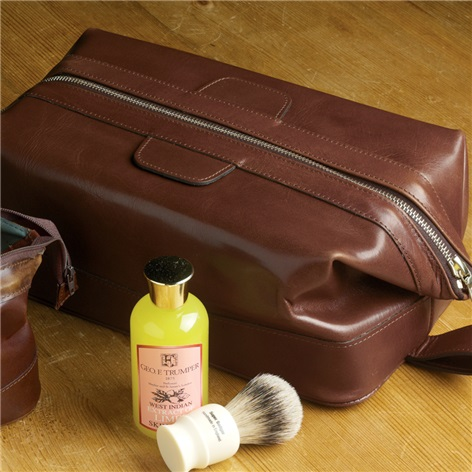 Dopp Kit in Rusty Blaze Leather