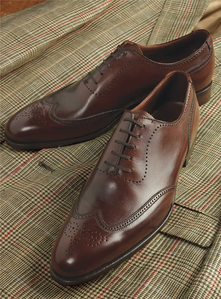 The Canterbury Oxford in Antique Chestnut