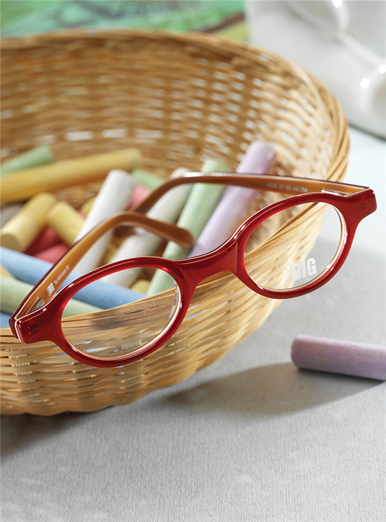 Kids Oval Frame in Red and Tan