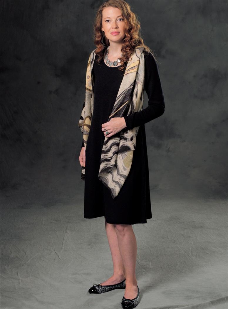 Ladies Cashmere Sweater Dress in Black
