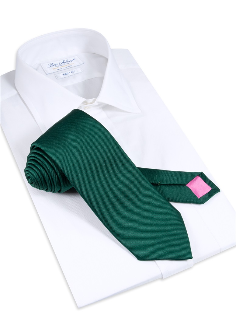Signature Solid Tie in Holly Green