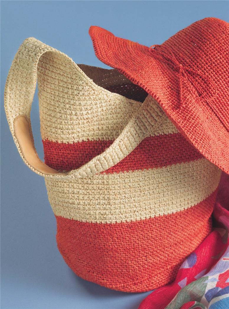 Raffia Crochet Shoulder Bag in Pomelo and Natural