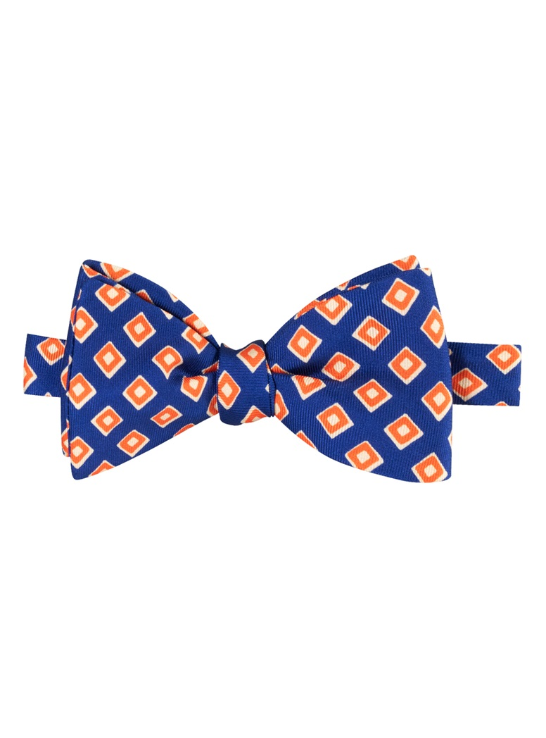 Silk Print Diamond Motif Bow Tie in Navy